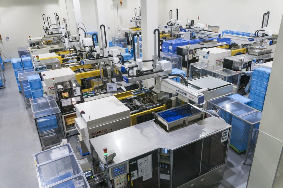 多様なニーズに合わせたプラスチック製品を、創造し、提案・設計・試作から量産に至るまで一貫して対応しています。
